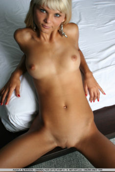 Blonde beauty Alicia A nude on bed