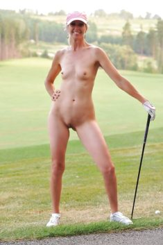 Nude babe on the golf course