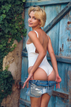Young beauty Lilit A