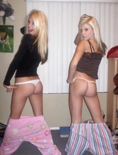 Blonde slutty teens flashing their tight ass