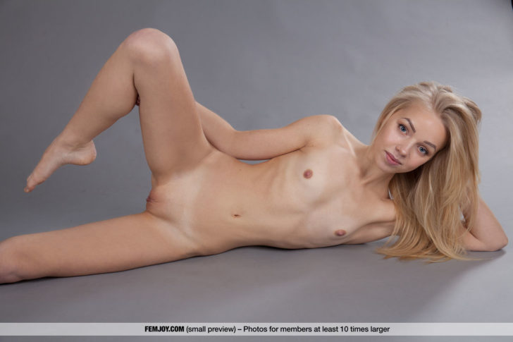 Blonde angel beauty Estel