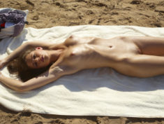Perfect beauty Caprice nude on the public beach