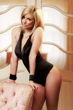 Saskya sweet girl escort    +31649864947    Saskya is a friendly call girl, relaxed and a super  ...