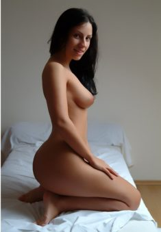 I am a hot minx who loves to meet horny guys, gentleman`s, who really wanna spend some sexy time ...