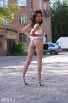 Young beauty flashing