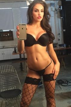 Janinna is a girl in Amsterdam who has always dreamed of becoming a hot Amsterdam