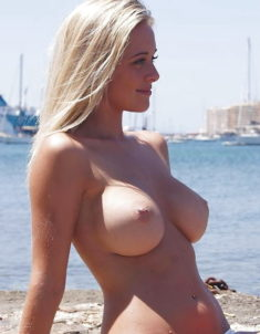 Big titted blonde beauty