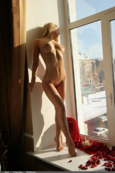 Perfect blonde beauty Liliya