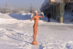 Nudist babe in winter