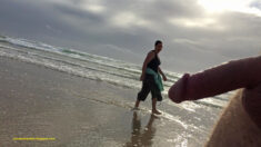 Public erection flasher exhibitionist CFNM dickflash on the beach  – having a damn good lo ...