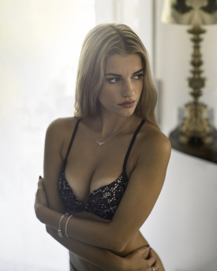 Lebanon escort is a massage services provider in Lebanon. Here you can spend your time with more ...